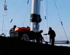 Hyperion Mast Refit at Newport, 2011