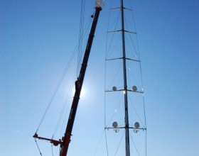 Salute's mast is lifted